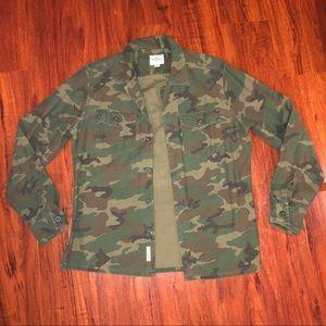 AE American eagle camo button up shirt